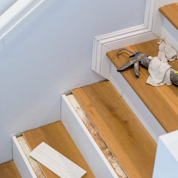 Montáž plávajúcej podlahy na schody Bratislava