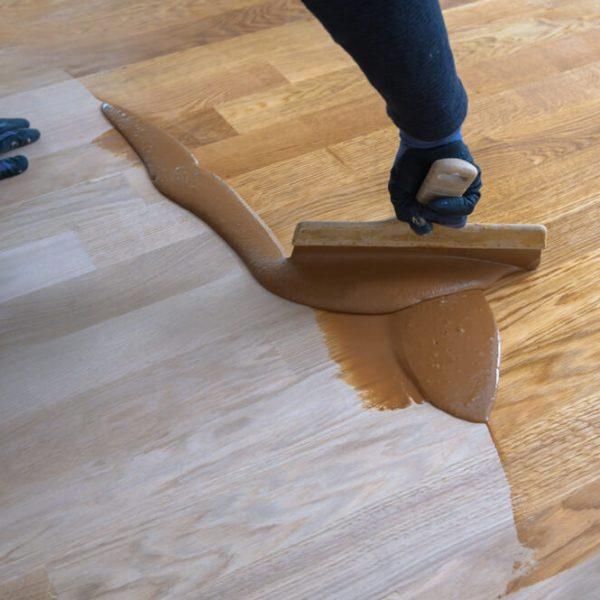 Tmelenie drevenej podlahy Bratislava